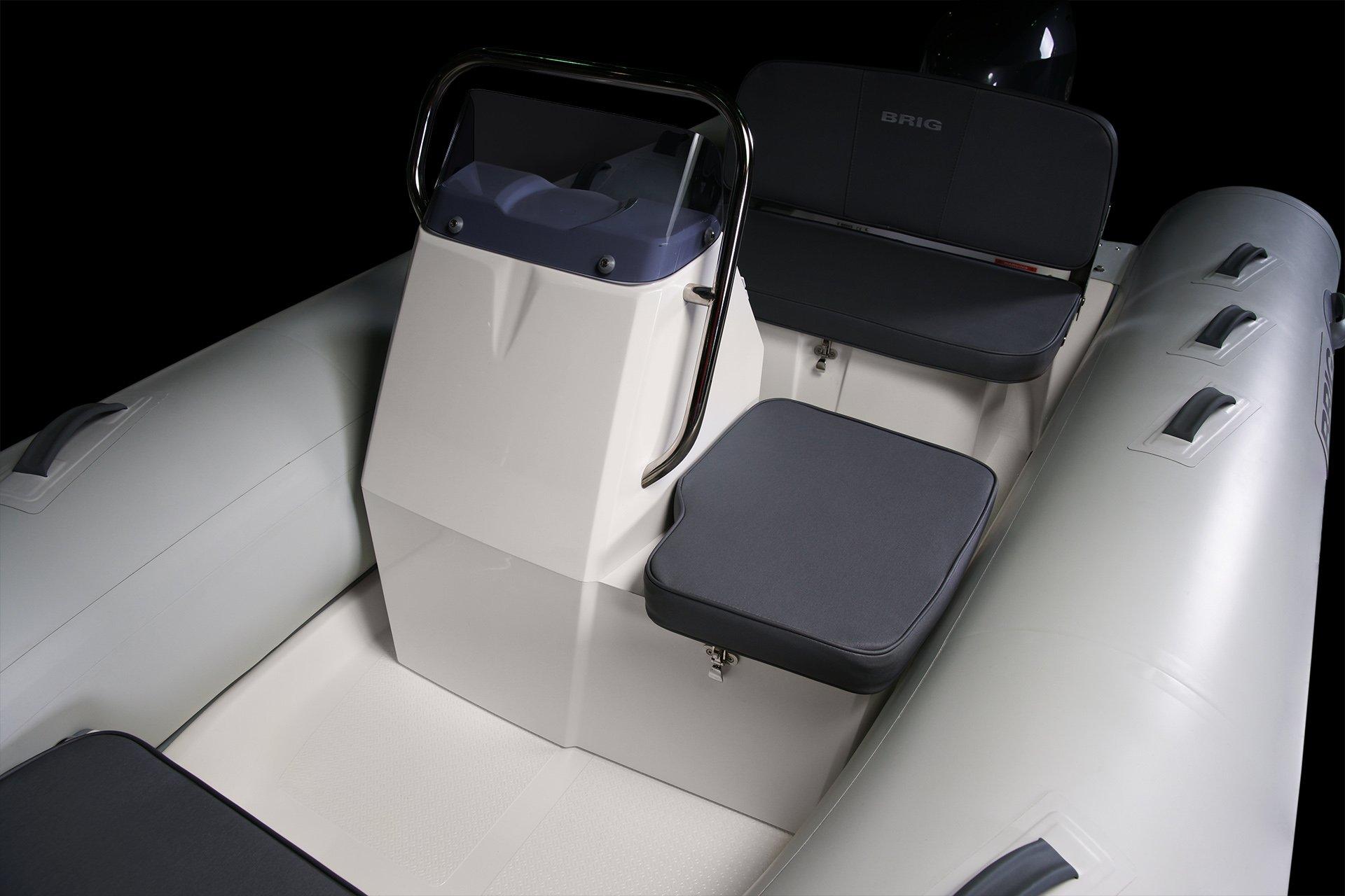 Falcon 380 Seats